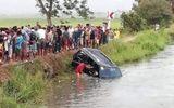 Tin thế giới - Kinh hoàng hiện trường vụ ô tô lao xuống kênh khiến 13 người tử vong thương tâm
