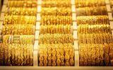 Thị trường - Giá vàng hôm nay 23/4/2021: Giá vàng SJC bất ngờ lao dốc, về mốc 55 triệu đồng/lượng