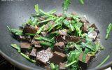 Ăn - Chơi - Tiết heo xào siêu bổ dưỡng mà chỉ chưa đến 20 nghìn đồng