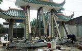 """""""Thần đèn"""" Nguyễn Văn Cư di dời cổng chùa nặng 25 tấn"""