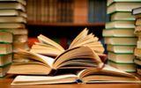 Kỳ lạ cặp vợ chồng ly hôn tranh nhau quyền sở hữu… sách