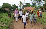 """Hành trình truy tìm virus Ebola và bí kíp """"né"""" bệnh suốt 40 năm"""
