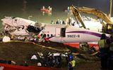 Máy bay Đài Loan rơi: Cả gia đình thoát chết kỳ diệu