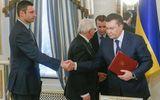 Các đại gia Ukraine bay đi, Yanukovich thì... ở lại