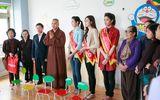Ngọc Hân rủ Tú Anh, Nguyễn Thị Loan làm từ thiện đầu năm