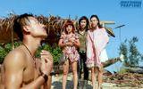 Hiếu Nguyễn cởi áo khoe body khiến Kathy Uyên, Thúy Nga mê mẩn