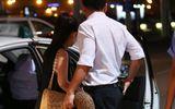 Chồng sắp cưới hộ tống Kim Hiền ra sân bay