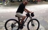 """Facebook sao 24h: Xuân Hinh """"phành phạch"""" đạp xe tập thể dục"""