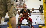 Cư dân mạng sốt với lực sỹ 14 tuổi nâng 136 kg