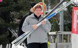 Thủ tướng Đức bị nứt xương chậu khi trượt tuyết