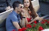 """Messi, Ronaldo chọn vợ: Phải là """"hàng thật"""", không dao kéo"""