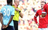 """Van Gaal: """"Rooney xứng đáng nhận thẻ đỏ"""""""