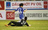 HLV Huỳnh Đức chỉ trích Công Phượng ăn vạ kiếm penalty