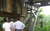 Hà Nội: Phát hiện xác thanh niên treo cổ ở chân cầu Long Biên