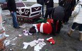 """Ông già Noel """"nát rượu"""" phá tan cả một bức tường gạch"""