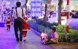 Lặng người suy ngẫm những khoảnh khắc trong đêm Noel