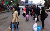 Người dân nườm nượp kéo về Thủ đô sau kỳ nghỉ Tết Dương lịch