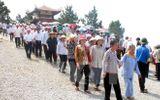 Mùng 1 Tết: Hàng ngàn người dân viếng mộ Đại tướng Võ Nguyên Giáp