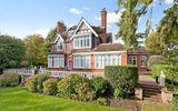 Ngỡ ngàng những ngôi nhà triệu bảng được rao bán