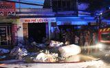 TP.HCM: Hỏa hoạn thiêu rụi 3 căn nhà, 2 người bị bỏng nặng