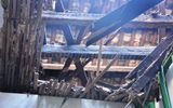 TP HCM: Sập mái nhà giữa đêm, nhiều hộ dân thót tim tháo chạy
