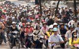 Đề xuất phạt xe máy không nộp phí bảo trì đường bộ: Quá vội vàng!