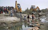 Vớt hơn 100 thi thể nổi trên sông Hằng ở Ấn Độ