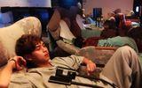 Clip Việt Hương lên tiếng vì bị bỏ rơi ở Nhật, ngủ quán massage