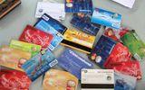 Bắt 2 đối tượng nước ngoài dùng thẻ ATM giả rút tiền ngân hàng