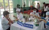 5 học sinh đột nhiên ngất xỉu sau khi tiêm vắc xin sởi - rubella