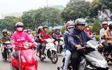 Người dân Sài Gòn co ro trong cái lạnh đầu năm