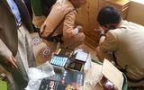 Bắt hàng vạn viên nghi thuốc kích dục trên xe thương binh