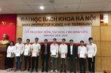 Tin tức - Đại học Bách khoa Hà Nội trao học bổng cho học sinh xuất sắc