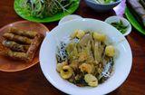 Ăn - Chơi - Bún cua thối: Món đặc sản đầy thử thách của phố núi Pleiku