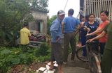 Tin trong nước - 1 người dân bị thương vì xe cảnh sát giao thông mất lái tông vào nhà