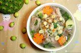 Ăn - Chơi - Cách nấu canh sườn hầm hạt sen tươi thơm ngon, bổ dưỡng