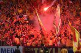 """Thể thao 24h - Lãnh đạo VFF khẳng định sẽ """"xử lý mạnh tay"""" vụ pháo sáng trên sân Hàng Đẫy"""