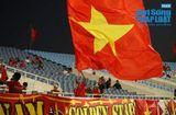 """Bóng đá - Trận Việt Nam- Malaysia: CĐV nhuộm đỏ """"chảo lửa"""" Mỹ Đình trước giờ bóng lăn"""