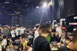 """An ninh - Hình sự - Công an đột kích quán bar, phát hiện gần 200 dân chơi đang """"bay"""""""