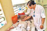 Sức khoẻ - Làm đẹp - Cứ bùng phát dịch, bệnh nhân sốt xuất huyết lại nằm hành lang