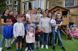 Tin thế giới - Cặp vợ chồng đông con nhất ở Anh chuẩn bị chào đón người còn thứ 22