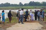 Tin trong nước - Lội qua sông Trà Khúc, một phụ nữ bị dòng nước xiết cuốn trôi