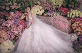 Chuyện làng sao - Điều gì khiến Đông Nhi chọn váy cưới của NTK trong nước cho ngày trọng đại?