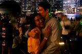 Chuyện làng sao - Hé lộ về chồng sắp cưới người Mỹ của Á hậu Hoàng Oanh