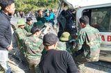Tin trong nước - Tin tai nạn giao thông mới nhất ngày 12/12/2019: Xe ôtô tông vách núi, 7 người thương vong