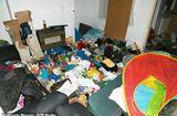 Gia đình - Tình yêu - Bỏ bê con sống đói khổ trong nhà ngập rác, cha mẹ nghiện ma túy thoát án tù