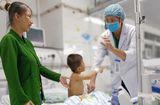 Sức khoẻ - Làm đẹp - Phẫu thuật thành công cho bé trai bị đứt động mạch cánh tay