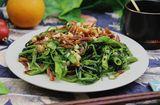 Ăn - Chơi - Chỉ cần thêm nguyên liệu này, món rau muống xào bỗng trở nên thơm ngon, vạn người mê