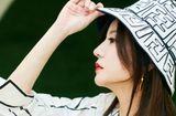 """Tin tức giải trí - Triệu Vy khẳng định đẳng cấp nhan sắc tuổi 44 với góc nghiêng """"thần thánh"""" khoe sống mũi thẳng tắp"""