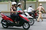 Tình huống pháp luật - Từ năm 2020, lỗi xe máy không gương bị phạt bao nhiêu tiền?